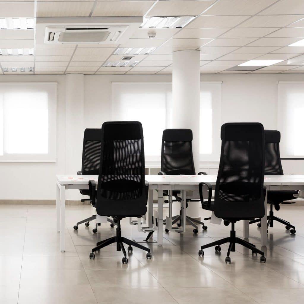 Por qué es necesario contratar una empresa para el aseo de oficinas - Misión Servir