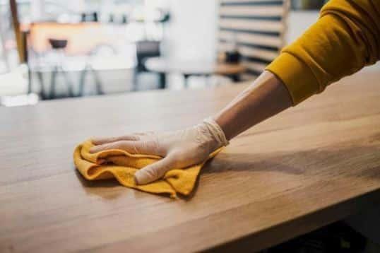Profesionales de limpieza deben cumplir reglas